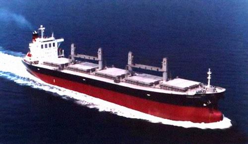 川崎汽船计划将小型散货船规模削减一半