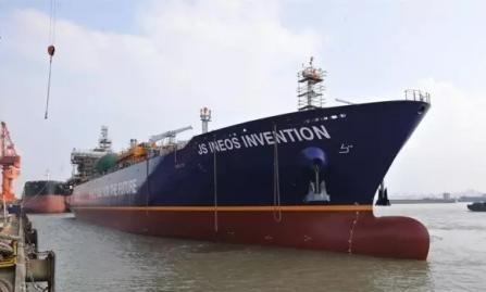 新扬子造船2艘27500立方米lng船出坞——中国水运网