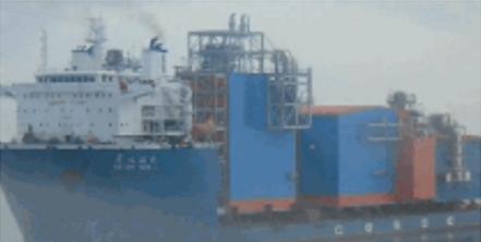 两艘中国籍无冰级货船首航北极喜相逢